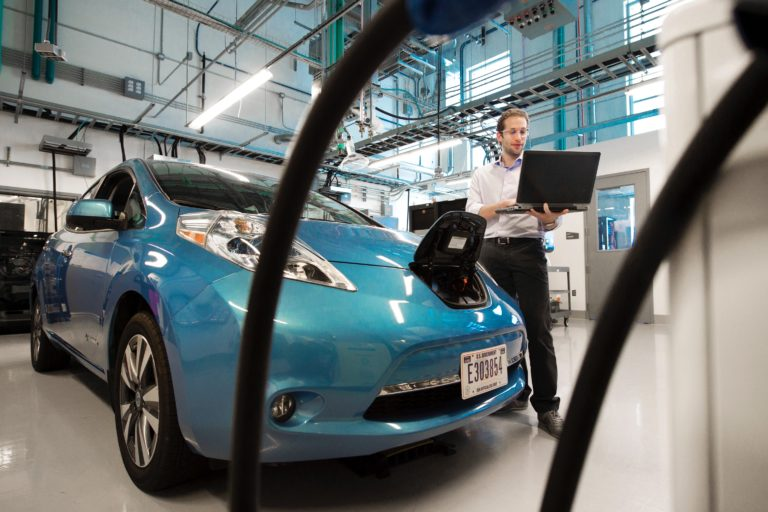 Cleantech news site editors on emerging utilities model: Keep an eye on electric vehicles